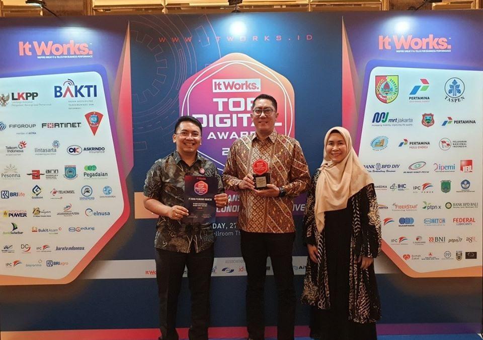 PT EPI mendapatkan penghargaan sebagai Top Digital Awards 2019 dari IT Works